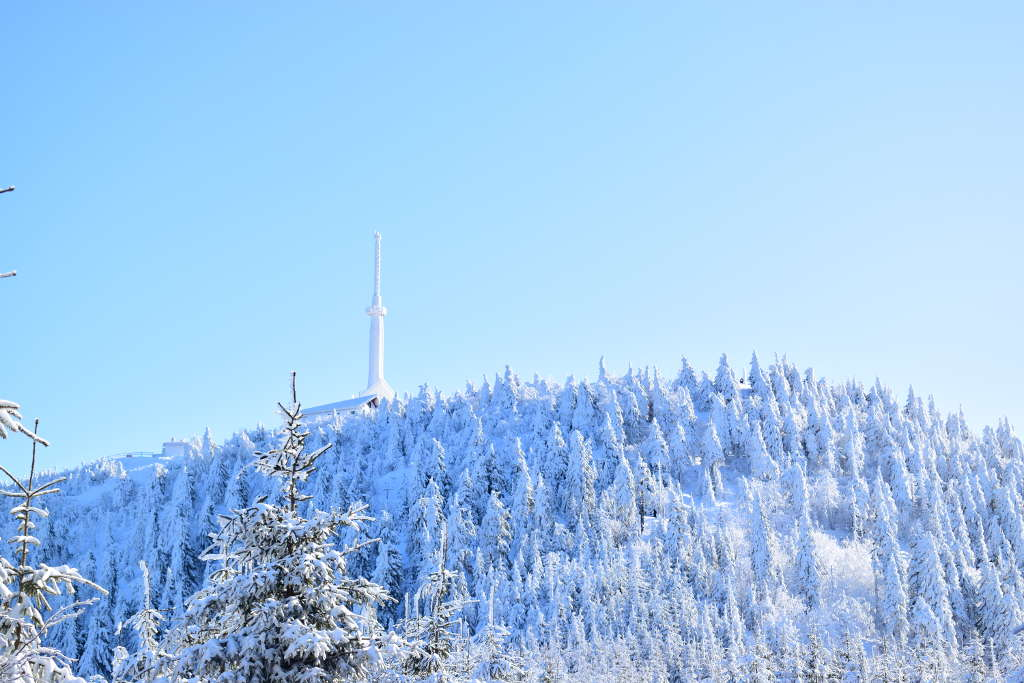 Zimní Lysá hora z Ostravice
