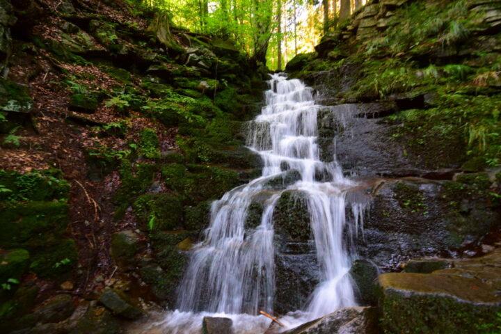 Kaskády Satinských vodopádů