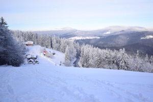 Ski areál Třeštík a výhled na Beskydy