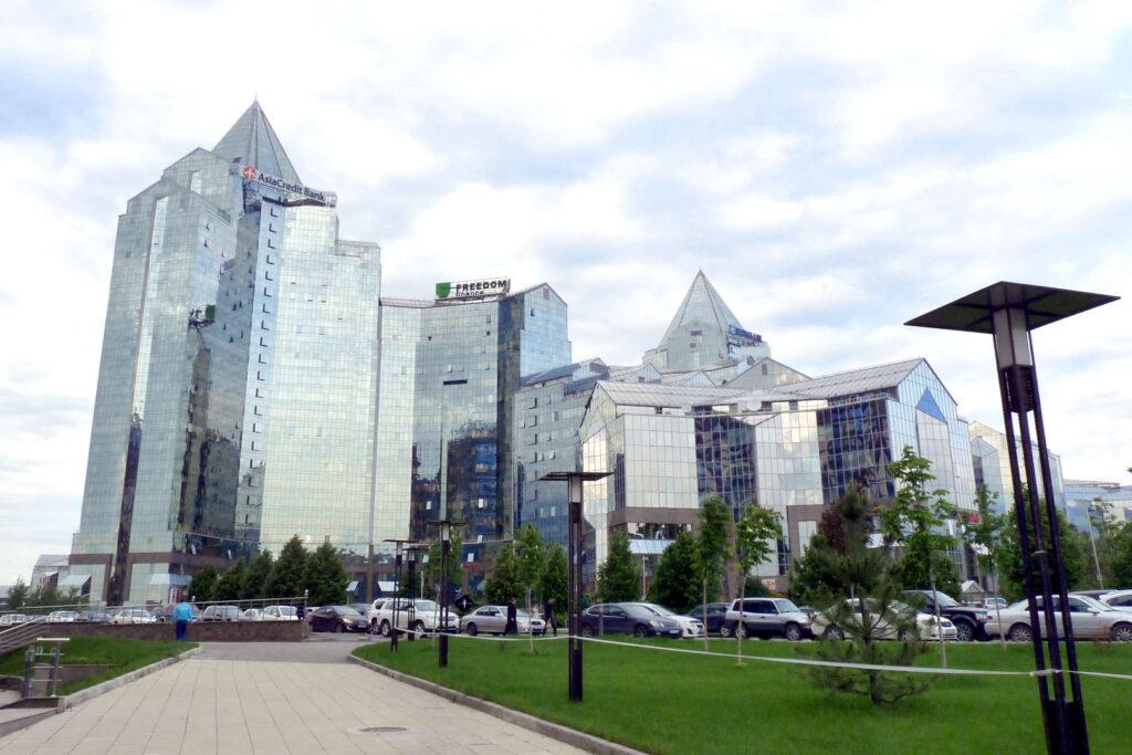 Almaty, mrakodrapy, Kazachstán