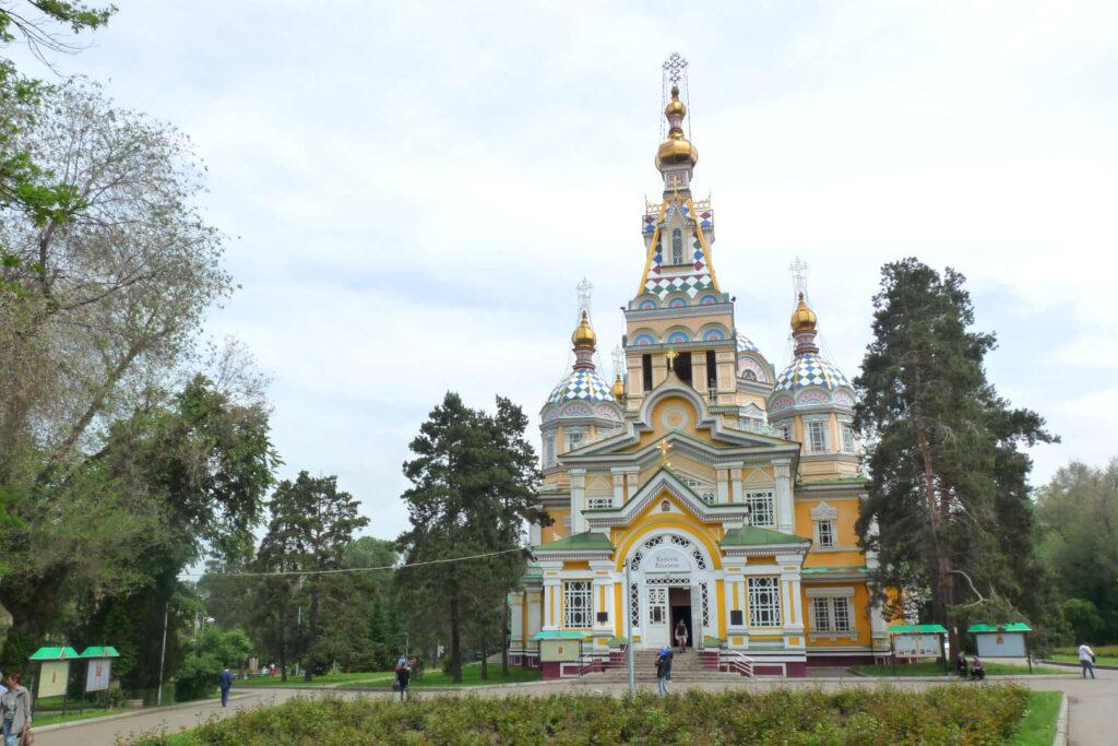 Bazilika Nanebevstoupení Páně, Almaty, Kazachstán
