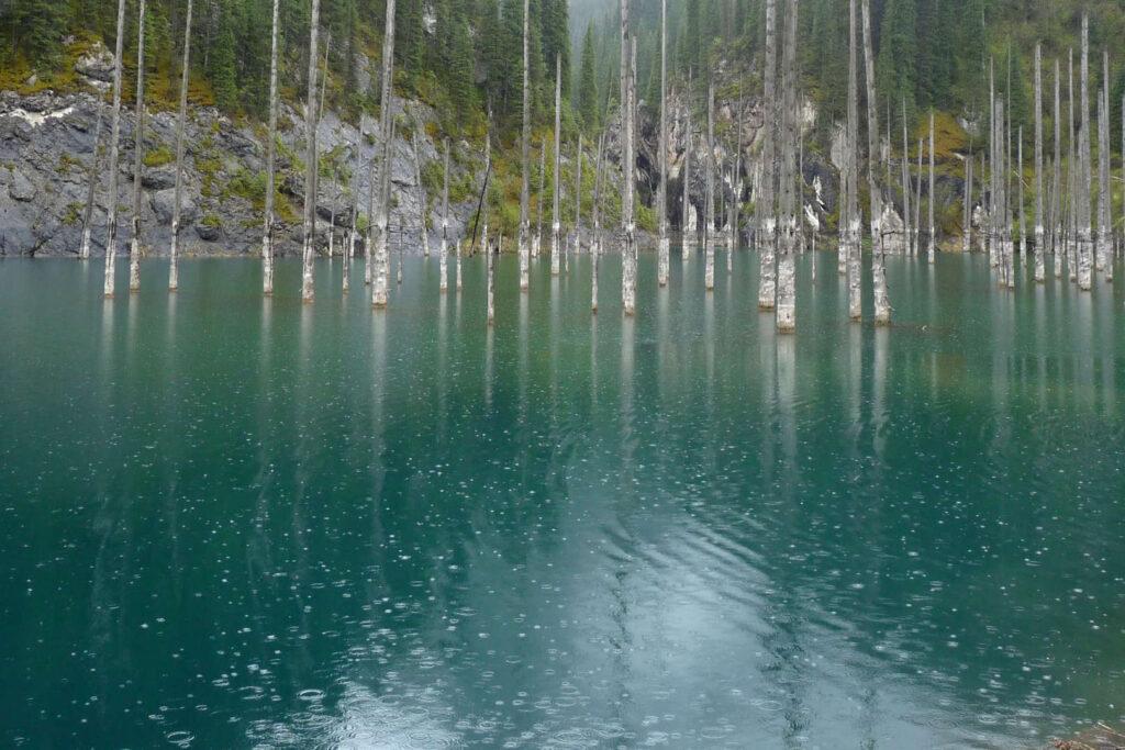 Jezero Kaindy, Kazachstán
