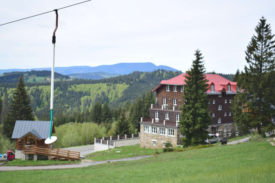 Horská chata Sulov, Bílý kříž